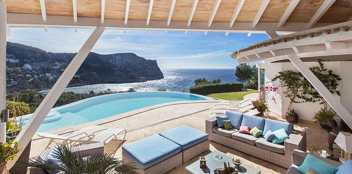 Geschwungene Dächer sind der einzigartige Stil und Markenzeichen der Villa